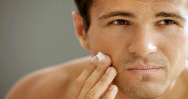Musko brijanje Užurbano jutarnje brijanje i neprijatne posledice?