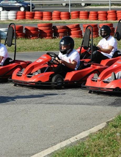Vozite karting sa kolegama