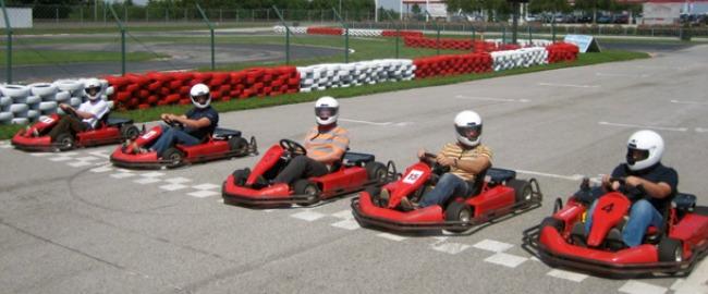 rekrativni karting1 Vozite karting sa kolegama