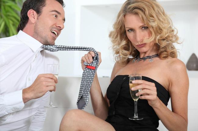 navalentna zena1 Nepristojne ponude: Oženjeni ne mogu da se odbrane