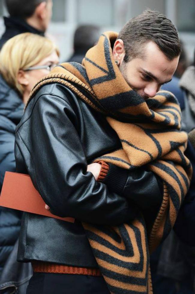 lujvitonsal2tekst Ogromni Louis Vuitton šalovi