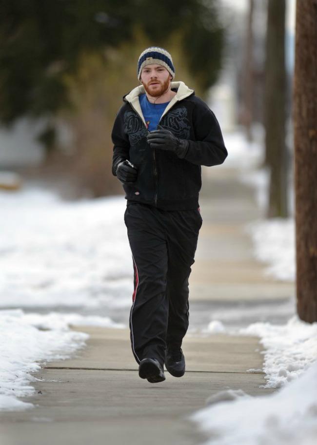 muškarac trci1 Kako da spremite telo za prazničnu hranu