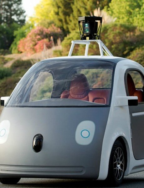 Google predstavio automobil bez vozača