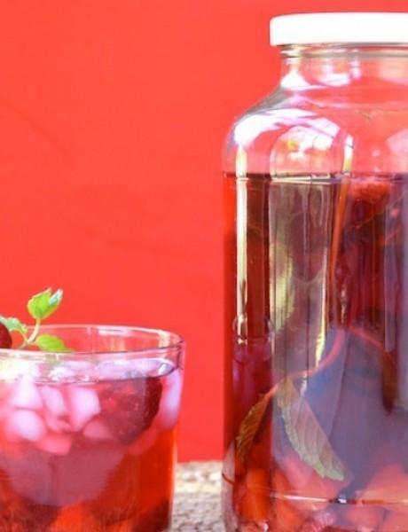Sangrija sa čajem od hibiskusa!