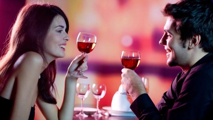 udvaranje vino Pet zakona za udvarače