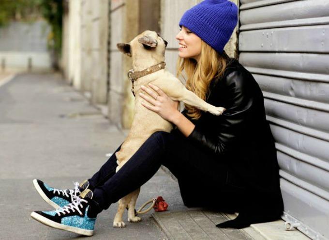 chiara ferragni dog1 10 stvari koje shvatiš kada se zabavljaš sa devojkom koja voli pse