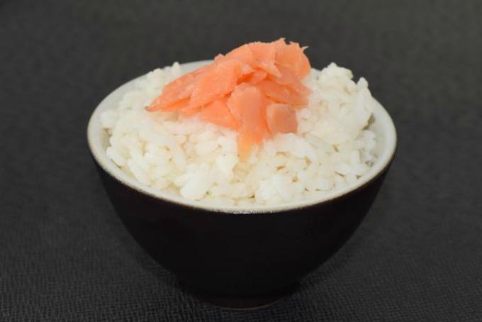pirinac Recept: Salata sa tunjevinom i jabukom