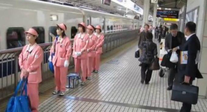 voz VIDEO: Japanci za sedam minuta očiste voz
