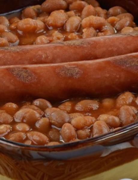 Muški recept: Zapečeni pasulj sa kobasicama