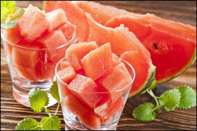 lubenica u casi Letnji koktel koji će ti pomoći da smršaš