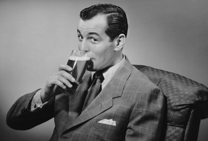 muskarac pije pivo1 Pivopije imaju bolju erekciju