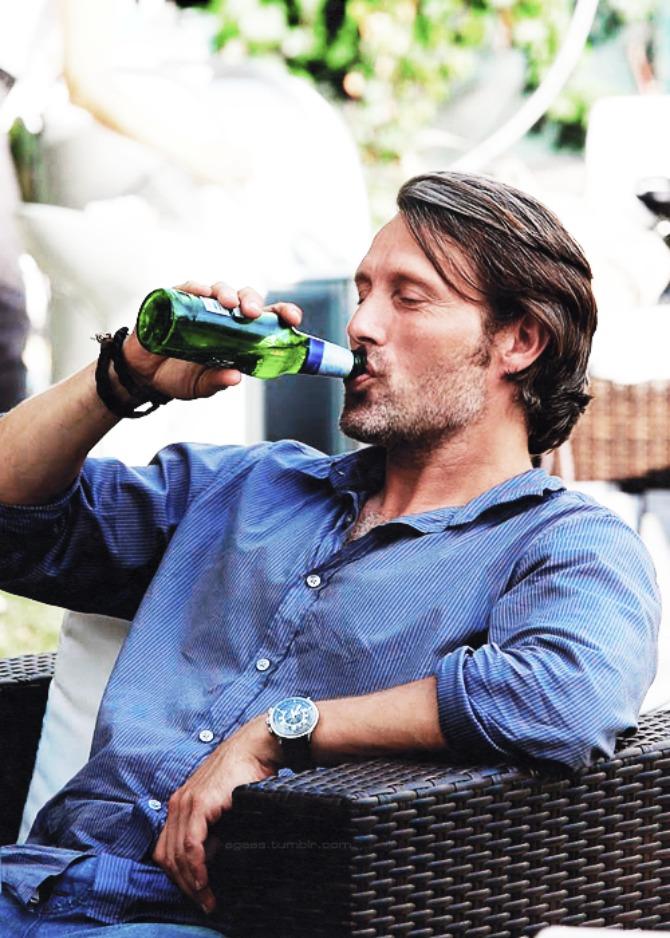 muskarac pije pivo2 Pivopije imaju bolju erekciju
