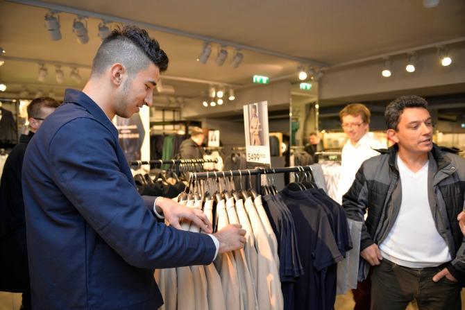 Marko Grujic u radnji Nova kolekcija Dejvida Bekama od danas u H&M radnjama!