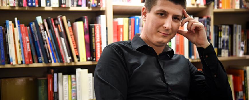 """Intervju: Andrija Jonić, autor romana """"Refren"""""""