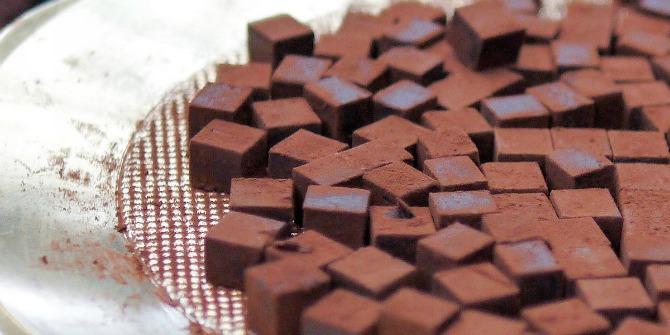 Crna cokolada Kako da izgledate MLAĐE uz pomoć hrane