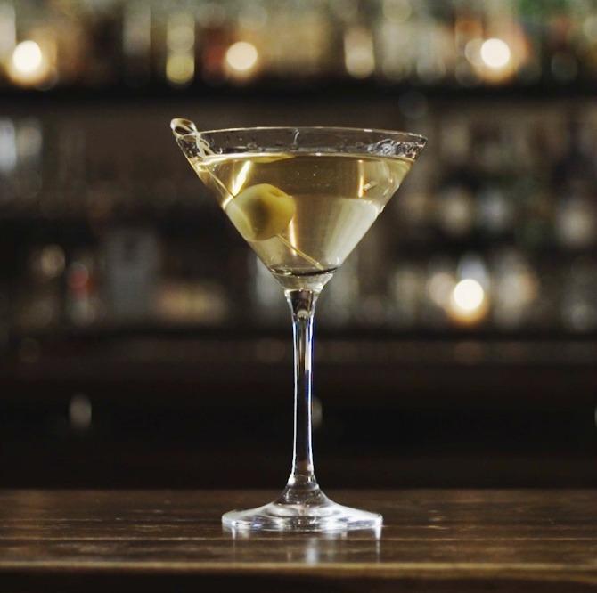 Draaanks Dirty Martini Najbolji kokteli koje i muškarci obožavaju