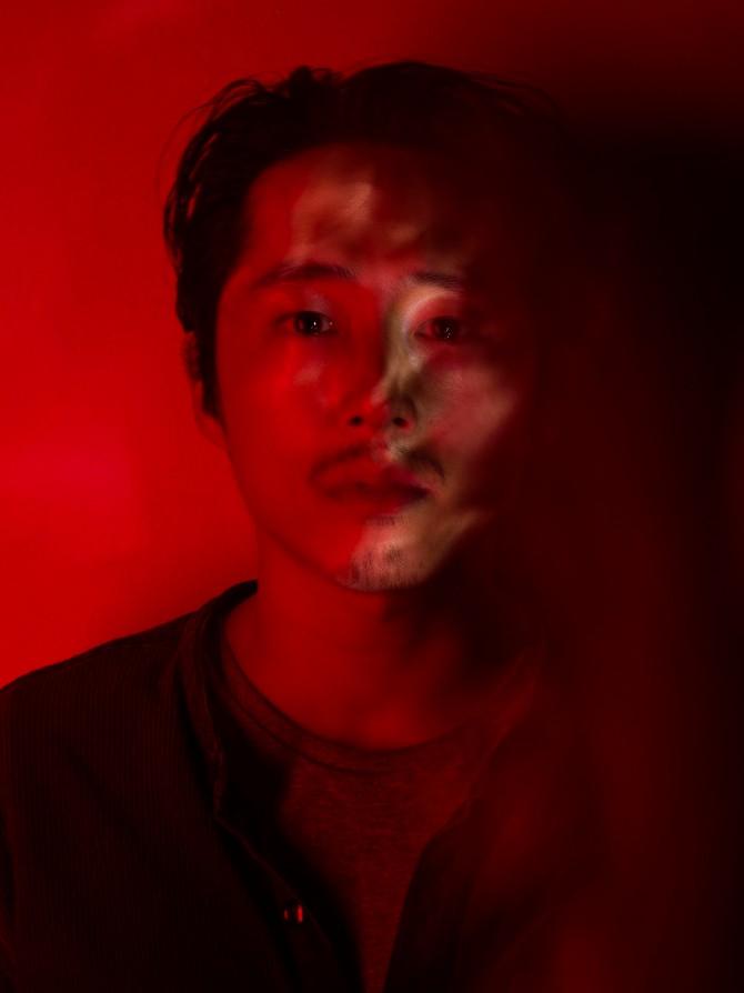 TWD7 Steven Red Portrait 4785 DNG as Smart Object 1 s Stiven Jeun o seriji Okružen mrtvima