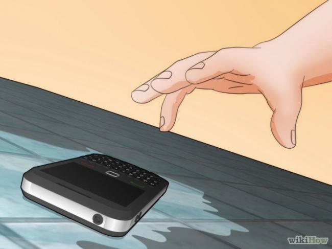 10 saveta kako da spasite telefon koji se pokvasio 10 saveta kako da spasite telefon koji se pokvasio