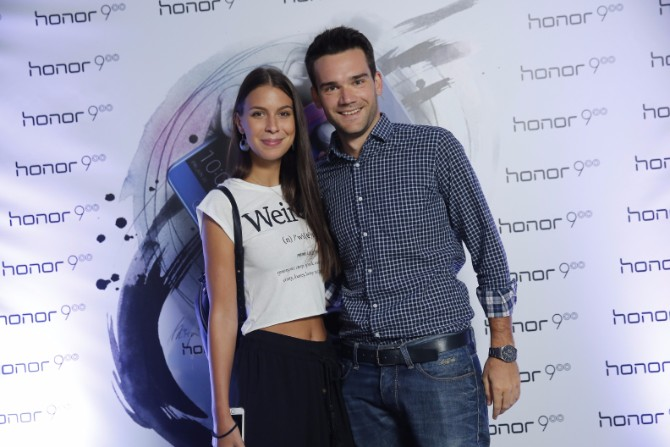Boki Perić sa devojkom Honor 9 – Uzbudljiva igra tehnologije i svetlosti