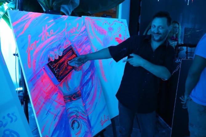 Mitja Bokun ilustrator Honor 9 – Uzbudljiva igra tehnologije i svetlosti