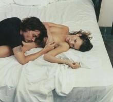 Komplimenti koje treba da uputiš goloj ženi u svom krevetu