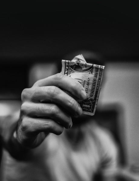 Zanimljiva istraživanja: Šta više volimo, seks ili novac?