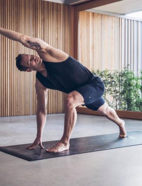 Vodič kroz jogu za muškarce
