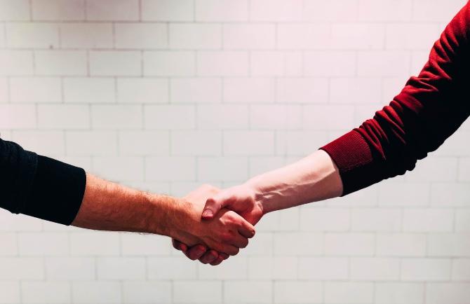 rukovanje 1 Kako da uvežbaš pobedničko rukovanje