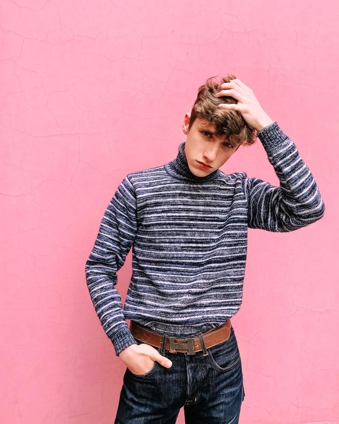 džemper 2 1 Džemperi koje zaslužuješ da nosiš ove sezone