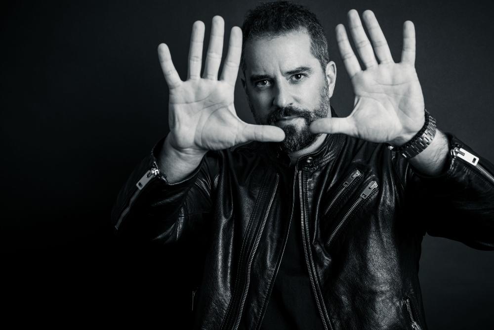 dusan 2 Multimedijalni umetnik Dušan Jovović: Uvek sam voleo ljude koji preoblikuju pravila, da bi osvojili svoju potpunu slobodu