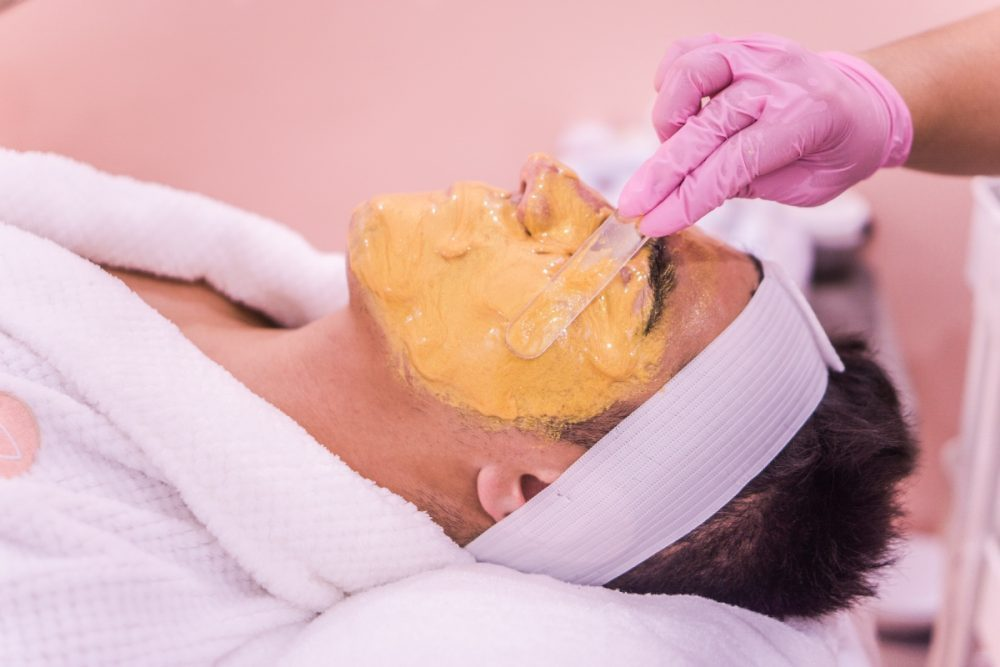 yulissa tagle AyqNM8D2aEI unsplash 1 e1621842654437 5 skin care grešaka koje muškarci prave
